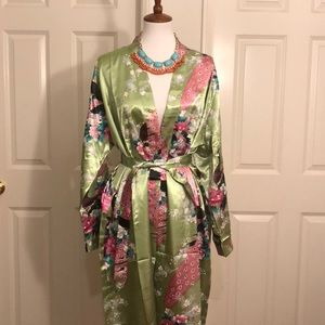 NEW FISOUL PEACOCK DESIGN ROBE SIZE: LARGE